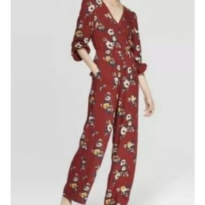😍 GORGEOUS NWT Jumpsuit